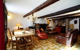 Grande maison village typique Mercantour proche Auron