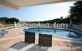 Belle villa avec vue mer prévue pour une
