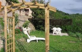 Dans le petit hameau tranquille de Valoan (à 5 minutes de Lamastre), avec très belle vue sur la v...