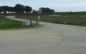 A 200 metres de la mer par un chemin privé dans la propriété Logement pour cinq personnes   Jolie vue sur la campagne