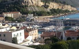 Cassis Méditerr. 19 km de Marseille T2 Balcon Pkg vue port calme confortab 10 mn plages et commercesà pie