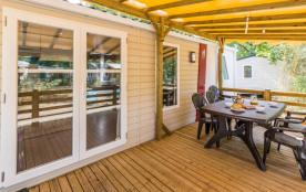 Terrasse en bois couverte de 15m²