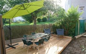 terrasse vue avec abri de jardin à disposition