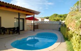 XAVIER, moderne maison avec piscine privée pour 6 personnes
