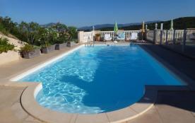F2 dans villa avec Piscine vue sur golf d'Ajaccio et les iles sanguinaires - Porticcio