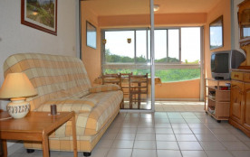 Appartement studio avec coin cabine de 22 m² environ pour 4 personnes situé à 100 m de la plage e...