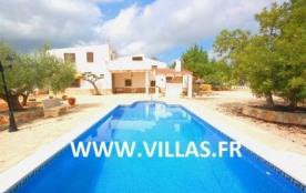Villa DV Sergio - Villa de campagne construite sur 2 niveaux et dotée d'un aménagement intérieur ...