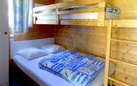 Chambre grand lit + lit superposé