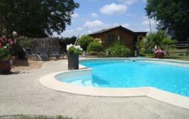 gite avec piscine chauffée et cheminée - Mouliherne