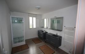 salle d eau avec douche +wc sépare