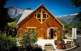 Camping Sites et Paysages A LA RENCONTRE DU SOLEIL, 50 emplacements, 27 locatifs