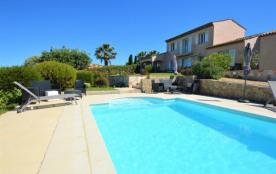 Villa avec piscine et vue mer F76