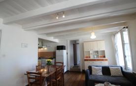 Clévacances Le Tourville - Appartement au premier étage.