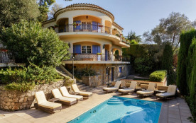 squarebreak, Spacious villa with pool in Cannes