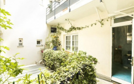Bright 1bdr apt with lovely balcony