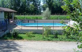 Gîte pour 5 a6 personnes avec piscine a partager avec les propriétaires au calme de la canpagne - Moissac
