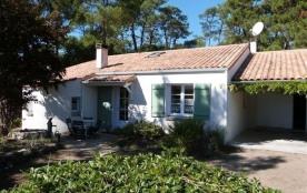 FR-1-194-72 - Maison individuelle en lisière de forêt
