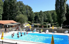Camping La Ripole, 14 emplacements, 22 locatifs