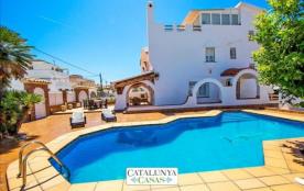 Maison de rêve incroyable à Cunit, Costa Dorada, a seulement 700m de la plage!