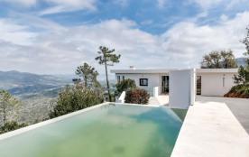squarebreak, Magnificent contemporary villa in the Esterel Mass
