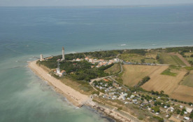 Camping Les Baleines, 161 emplacements, 24 locatifs
