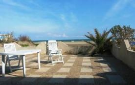 Appartement 3 pièces de 35 m² environ pour 5 personnes, située en bord de plage et 200 m des comm...