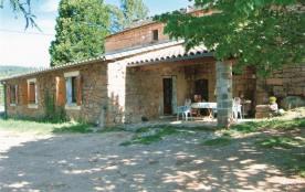 Gîtes La Grange - Maison en pierre de pays (grés rose) indépendante, sans aucun vis à vis, à flan...