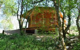 Chalet dans  ferme équestre de 5 ha et camping 5 emplacements  Entre Rocamadour et Padirac