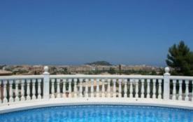 Villa AS LIN - Belle villa récente profitant d'une jolie piscine privée.