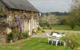 Belle Maison de campagne en pierre à Bagnole de l'Orne