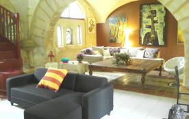 Belle Maison avec piscine A Beaucaire