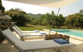 Mas Augusta, jolie vue de la piscine