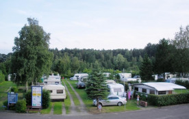 KNAUS Campingpark Wingst, 410 emplacements, 9 locatifs