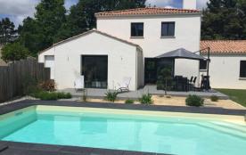 Superbe villa de luxe avec piscine chauffée proche mer