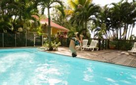 Les Jardins de l'Espérance - Gîtes avec piscine - Bouillante