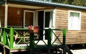 Le camping Le Plo en Aveyron vous propose 6 mobil-homes… Fonctionnels, lumineux et positionnés su...