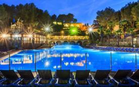 XXL : Holiday Green vous accueille dans un cadre unique et paradisiaque, à 7 kilomètres de Fréjus...