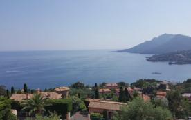 Villa Théoule-sur-Mer. Vue panoramique sur la Méditerranée.