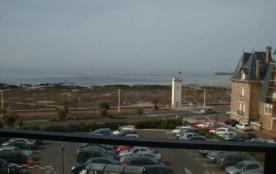 Avec jolie vue sur mer, à 2 pas de la plage
