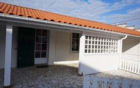 Maison simple 2 chambres avec jardin centre ville (027)