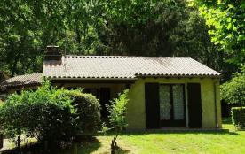 LGCAS02- N°10- Village Gites communaux-6 pers- PISCINE - CASSENEUIL