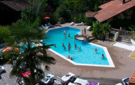chalet 4 places (+1) option climatisation, grand emplacement dans camping ***