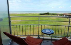 Résidence Pamplemousse - Appartement 2 pièces + cabine avec balcon, vue mer.