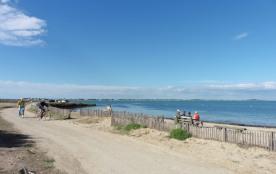 plage nord face au petit village de loix
