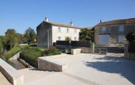 Belle maison de campagne avec jardin dans un village au coeur du Marais Poitevin