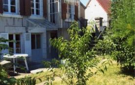 """""""Les Carrières"""", cette maison meublée est située dans un charmant village en bordure du massif fo..."""