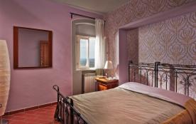 Maison 2 - Chambre 2 - Les lits sont un double ou deux lits simples