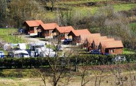 Camping La Soleia d'Oix, 60 emplacements, 8 locatifs