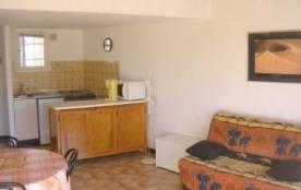Agréable 2 pièces 4 couchages au premier étage, dans une résidence proche de la plage.