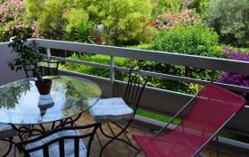 Antibes (06) - Fontonne - Résidence le jardin des roses - studio - 20 m² environ - jusqu'à 4 pers...